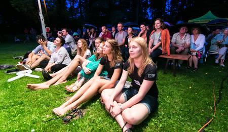 Artystyczne lato u Kossaków - publika (kliknięcie spowoduje powiększenie obrazu)