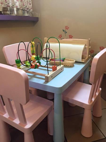Owce i Róża - stolik dla dzieci (kliknięcie spowoduje powiększenie obrazu)