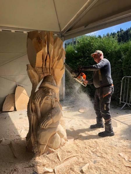 Plener rzeźbiarski Brenna - foto  2 (kliknięcie spowoduje powiększenie obrazu)