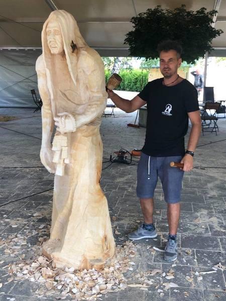Plener rzeźbiarski Brenna - foto  6 (kliknięcie spowoduje powiększenie obrazu)