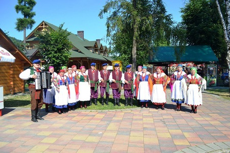Przegląd Wiejskich Zespołów Folklorystycznych - występy  (kliknięcie spowoduje powiększenie obrazu)