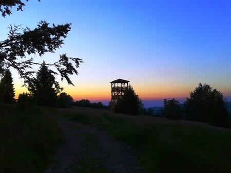 Wieża widokowa na Starym Groniu (kliknięcie spowoduje powiększenie obrazu)