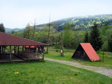 Ośrodek Rekreacyjno - Kempingowy Jarowiska - widok z zewnątrz (kliknięcie spowoduje powiększenie obrazu)