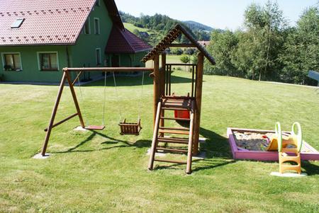 Zielony Domek - plac zabaw (kliknięcie spowoduje powiększenie obrazu)
