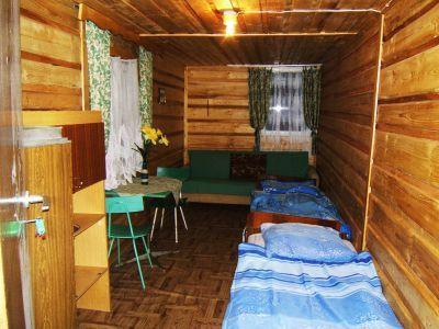 Pole namiotowe-Kemping - Rafał Gawlas - wnętrze domku (kliknięcie spowoduje powiększenie obrazu)