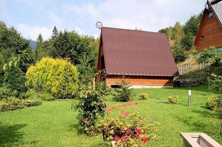 Domki nad Strumykiem - widok z zewnątrz (kliknięcie spowoduje powiększenie obrazu)