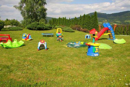 Willa Wichrowe Wzgórza - plac zabaw (kliknięcie spowoduje powiększenie obrazu)
