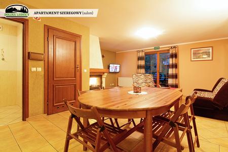 Apartament szeregowy z kominkiem - salon (kliknięcie spowoduje powiększenie obrazu)