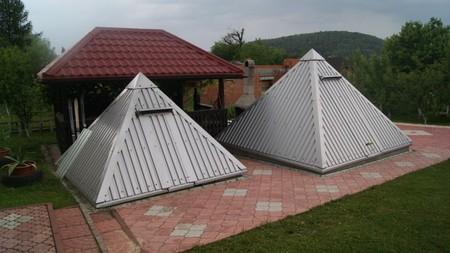 Pokoje gościnne Edward Sikora - piramidy (kliknięcie spowoduje powiększenie obrazu)