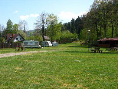 Kemping - Pole namiotowe Kotarz - widok z zewnątrz (kliknięcie spowoduje powiększenie obrazu)