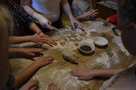 Chlebowa Chata- pieczenie  (kliknięcie spowoduje powiększenie obrazu)