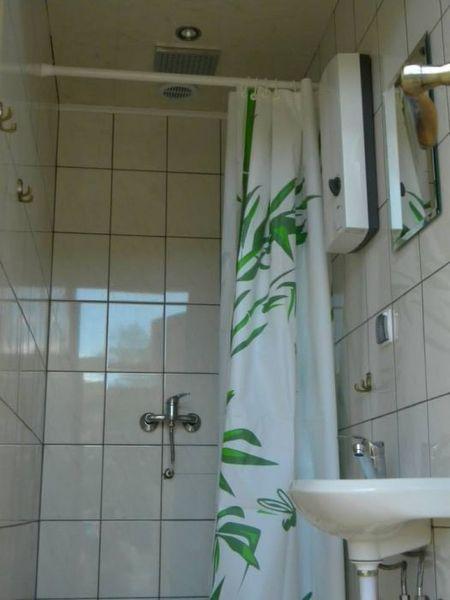 Pole namiotowe u Danki - łazienka (kliknięcie spowoduje powiększenie obrazu)